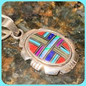 Extremely bright gemstone inlay ring